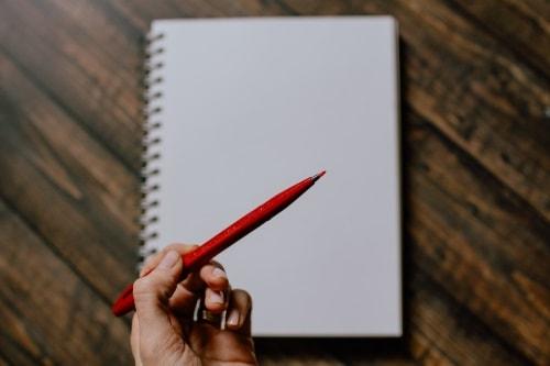 Simpatia para o amor com uma caneta